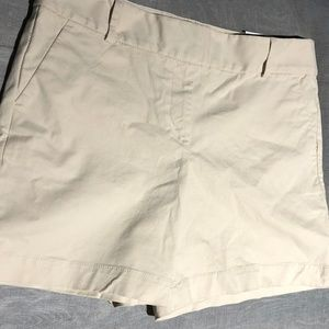 Loft cream women's Shorts size 10 NWT